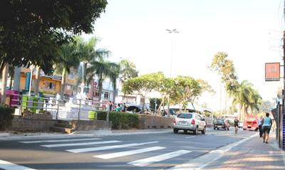 Conversão da rede elétrica pela sbterrânea no Boulevar - Barueri